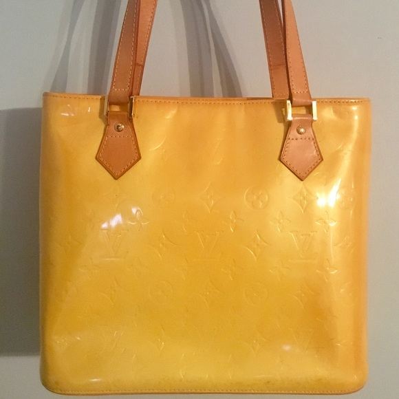 7747ecd4692b Louis Vuitton Handbags - Authentic Louis Vuitton Vernis Yellow Houston Bag